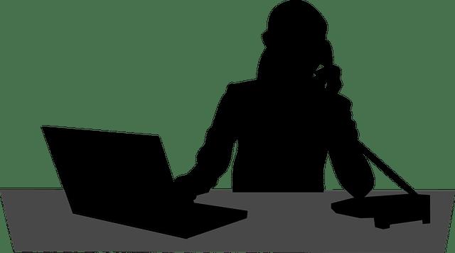 Travailler avec une secrétaire indépendante à distance